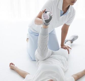 武蔵小山駅徒歩2分の腰痛、膝痛、肩こり専門の鍼灸院|よつばの森【大人バレエでお困りの方】ストレッチ2